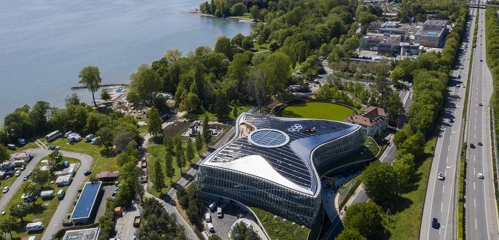 El edificio, ubicado en Lausana, ha obtenido tres de los certificados de sostenibilidad más rigurosos del mundo. Desde la institución, destacan que la conservación del medio ambiente es uno de sus pilares.