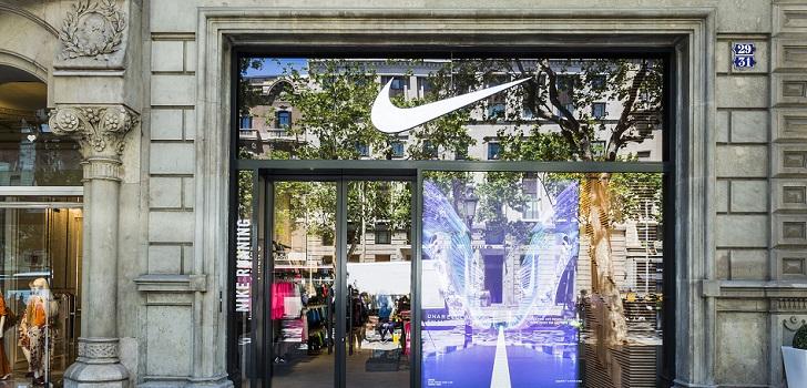 pedir antepasado Sombra  Nike crece en el corazón de Madrid con una 'macrotienda' en la ...