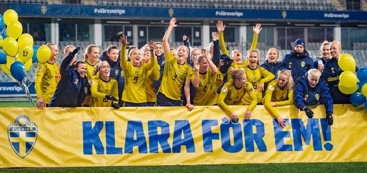 El fútbol masculino sueco cede su sueldo al femenino
