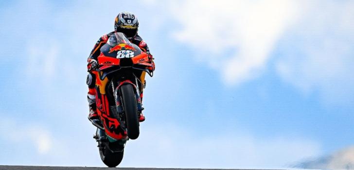Dorna renueva a Michelin como proveedor de neumáticos de MotoGP hasta 2026