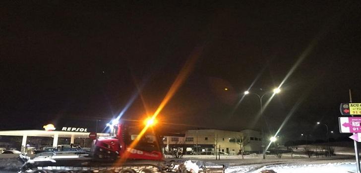 La máquina quitanieves de Madrid Snowzone sale al exterior