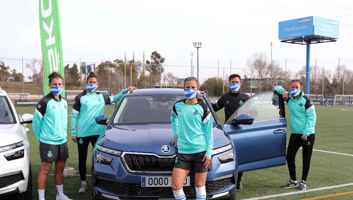 Skoda, con las jugadoras del Espanyol