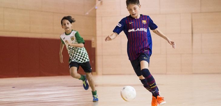 El Barça diversifica su negocio de escuelas y entra en fútbol sala