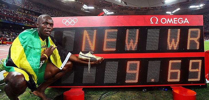 Usain Bolt se pasa al fútbol como embajador de Konami