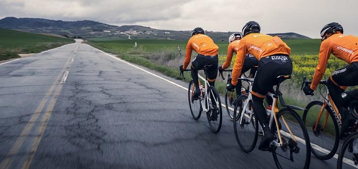 El equipo presidido por Mikel Landa subirá de categoría, al igual que el Caja Rural, y disputará la segunda división de la Unión Ciclista Internacional, hasta entonces denominada Continental Profesional.