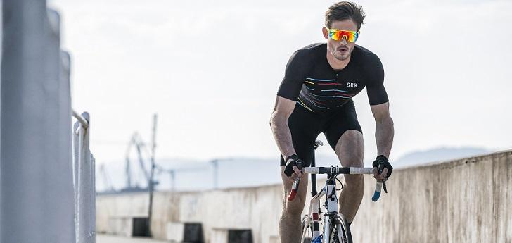 La compañía especializada en gafas deportivas es proveedor oficial de la competición ciclista y del Maratón de Valencia Trinidad Alfonso EDP. Además, ha creado su propia liga de surf y espera dar el salto a la natación y los deportes de invierno a corto plazo.