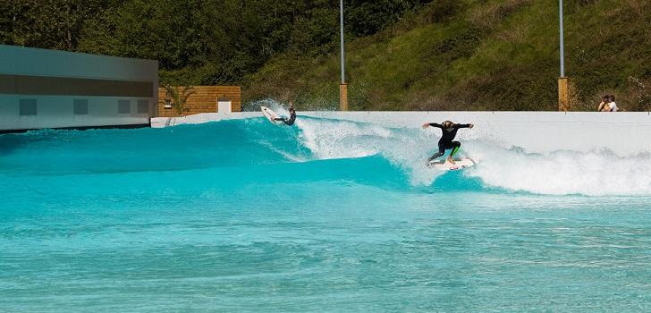 Un ejecutivo de dorna se sube a la ola del surf inversi n for Como hacer una laguna artificial