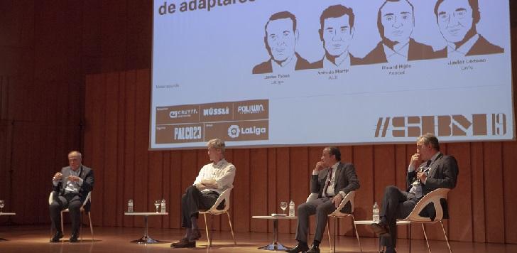 Antonio Martín, presidente de la ACB, Ricard Hijós, secretario general de la Asobal, Javier Lozano, presidente de la Lnfs y Javier Tebas, presidente de LaLiga, analizan el reto de las principales ligas profesionales de adaptarse al nuevo consumidor.