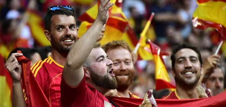 El torneo paneuropeo, que se disputará en doce sedes diferentes, ha recibido solicitudes de 190 países desde que se abrió el proceso, de las cuales la mayor parte procede de Inglaterra, Alemania, Rusia, Hungría, Holanda y Dinamarca.