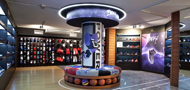 La empresa catalana, especializada en artículos de baloncesto, tiene actualmente tres establecimientos en Cataluña y baraja extender su concepto de tienda a otras partes de España.