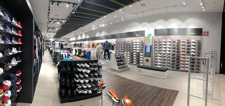 La cadena de artículos deportivos ha inaugurado dos locales en Gandía (Valencia) y Sevilla, en los que ha apostado por un modelo híbrido de sus dos enseñas, Base Detall y Wanna Sneakers.
