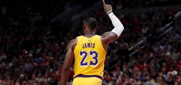 La liga norteamericana de baloncesto, que lleva años estudiando la fórmula para acortar la temporada y dinamizar la competición, introducirá las propuestas en la próxima junta de propietarios y, de ser ratificadas, podrían aplicarse a partir de 2021-2022.