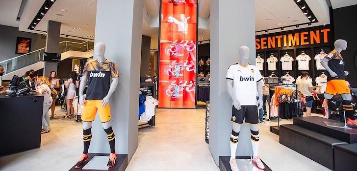 El club, que durante los dos últimos años ha encargado la gestión de su venta online a Fanatics, ha recuperado la explotación de esta actividad, que en total generó 4,55 millones de euros en 2017-2018.