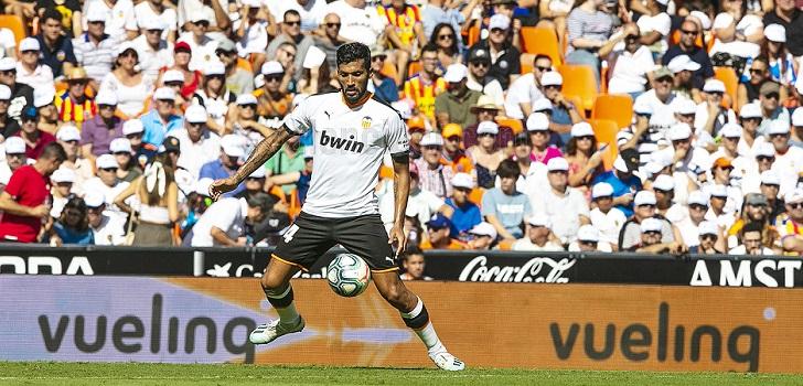 El Valencia CF retiene una temporada más el patrocinio de Vueling
