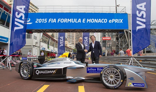 Mark Antipof, director de marketing y ventas de Visa Europe, con Alejandro Agag,consejero delegado de la Formula E.