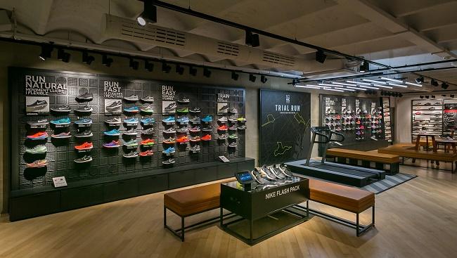 464f6b5753 Nike reabre su tienda de Las Ramblas
