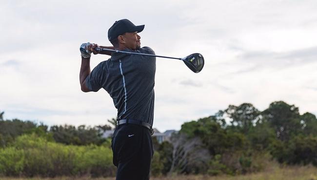 Cuna oriental Alfombra de pies  Tiger Woods golpeará con los palos de Adidas tras la salida de Nike de este  negocio   Palco23