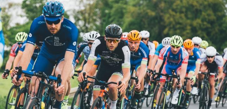 El ciclismo mide el golpe del Covid-19: la UCI contrae ingresos un 30% pero reduce pérdidas