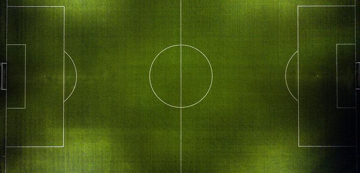 Intercambios y sin estrellas: el fútbol español hace malabarismos para esquivar un techo salarial a la baja