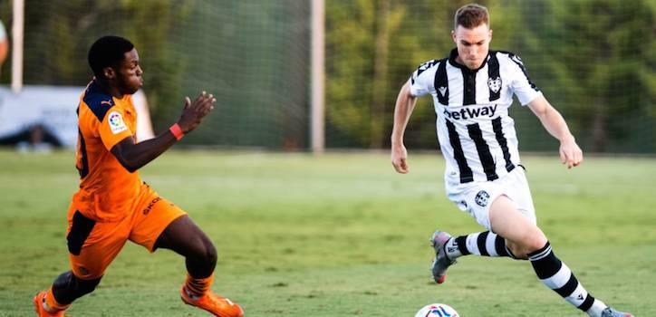 El fútbol se la juega: once 'main sponsors' son apuestas pese al veto del Gobierno