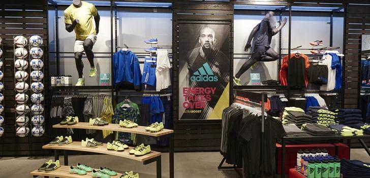 Adidas encoge ventas un 7% pero vuelve a números negros en el tercer trimestre