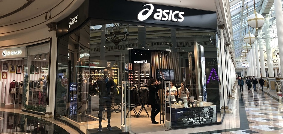 Asics pasará a gestionar el negocio de pádel dentro del departamento de 'core performance sports' en Ámsterdam
