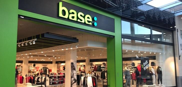 Base sigue armando su equipo y ficha talento de Nike y Vente Privee