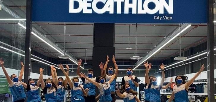 Decathlon y Primark abren nuevas tiendas en el centro comercial Vialia